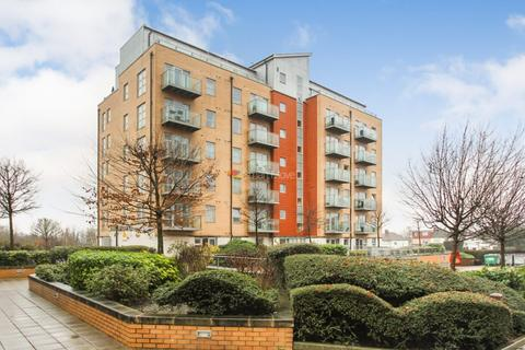 2 bedroom flat for sale - Queen Mary Avenue, South Woodford, E18