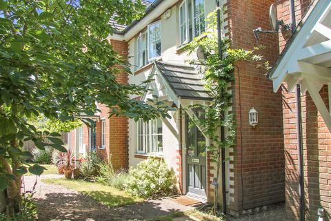 2 bedroom semi-detached house for sale - Wickham, Hampshire