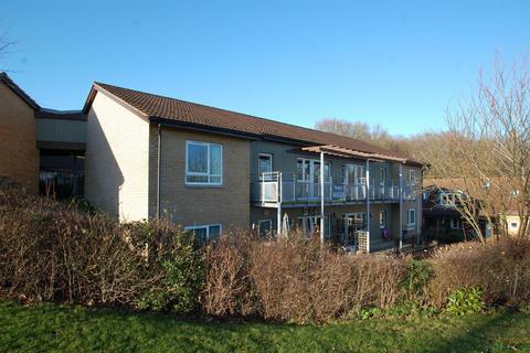 2 bedroom flat for sale - The Finches, Patrons Way West, Denham Garden Village, UB9