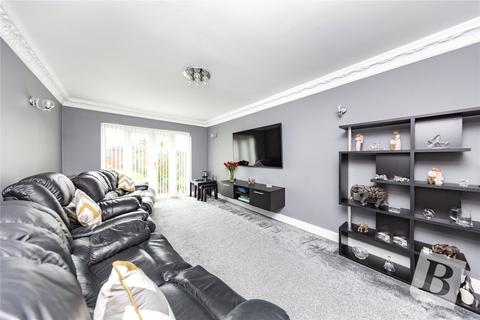 2 bedroom detached bungalow for sale - Clydesdale Road, Hornchurch, RM11