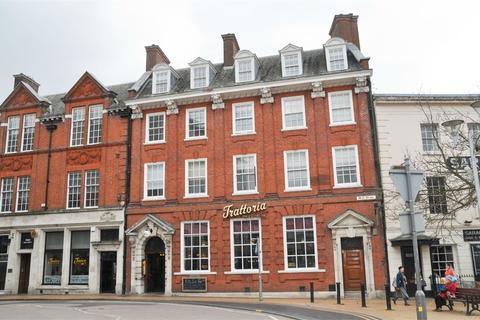 Studio to rent - (Flat 4) High Street, Chelmsford, Essex