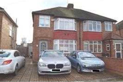 3 bedroom semi-detached house to rent - Casssiobury Ave, Feltham, Feltham