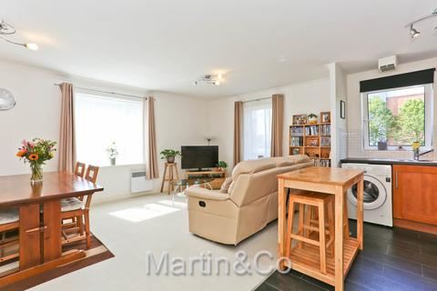 2 bedroom apartment - Cleeve Way Sutton SM1