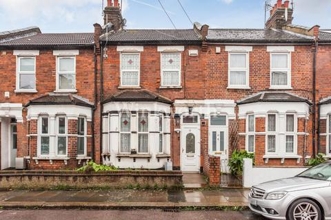 3 bedroom terraced house for sale - Ritches Road, London, N15