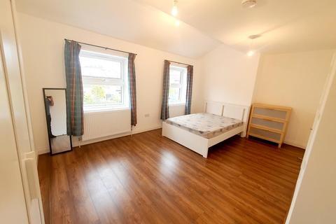 6 bedroom end of terrace house to rent - Lockesfield Place, Island Gardens / Greenwich, London, E14 3AH