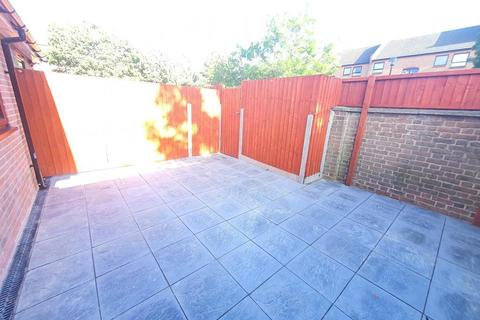 6 bedroom terraced house to rent - Manchester Road, Island Gardens / Greenwich, London, E14 3BE