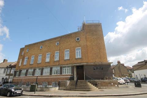 3 bedroom flat to rent - Met House, Leyton, London