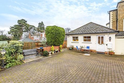 2 bedroom bungalow for sale - Woodlands, Aspley Hill, Woburn Sands, Buckinghamshire, MK17