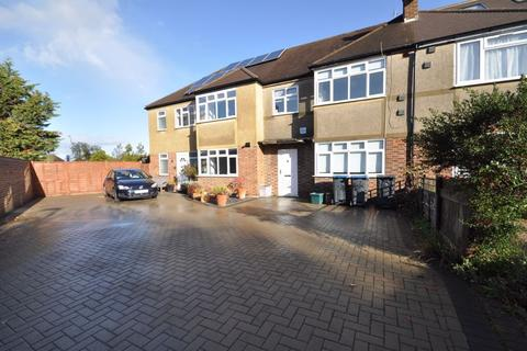 4 bedroom terraced house for sale - Somerset Close, New Malden