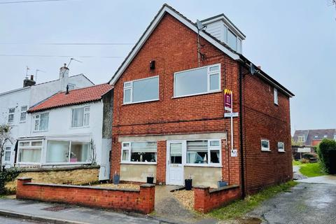3 bedroom flat to rent - High Street, Saxilby, Lincoln, LN1 2HA