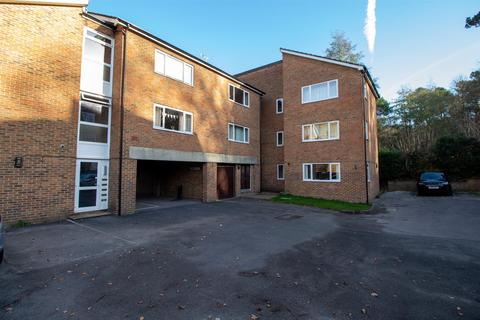 1 bedroom flat - Perrymount Road, Haywards Heath