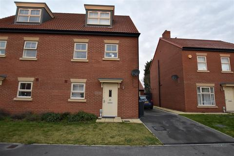 4 bedroom semi-detached house for sale - Frances Brady Way, Hull