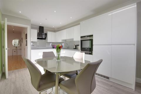 3 bedroom apartment for sale - Wellingtonia House, Hellyer Close, North Ferriby
