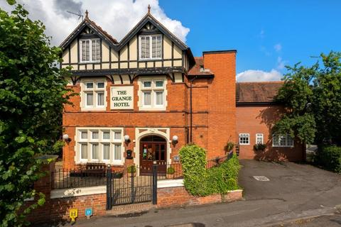 10 bedroom detached house for sale - London Road, Newark