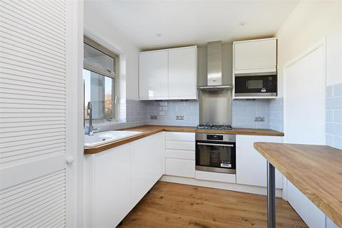 3 bedroom flat to rent - Lainson Street, Southfields, London, SW18