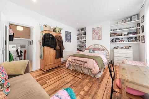 1 bedroom flat - Mayall Road, SE24