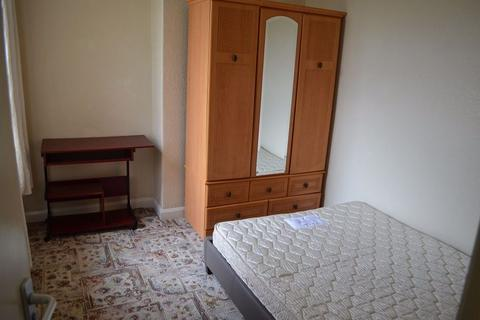 5 bedroom house share to rent - Room, Wakefield