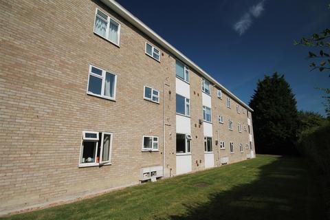 2 bedroom apartment - Lilac Court, Cambridge