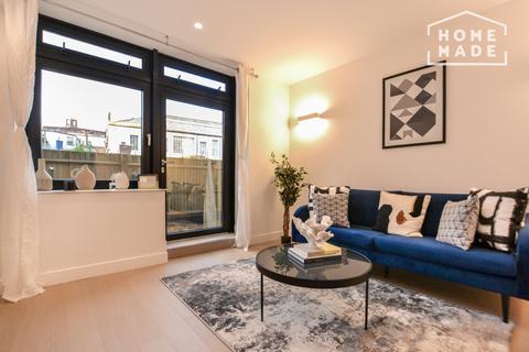 1 bedroom flat - IconBlu, Brentford, TW8