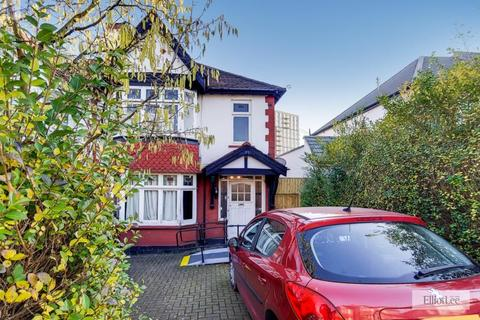 3 bedroom semi-detached house - Manor Drive, Wembley, Middlesex