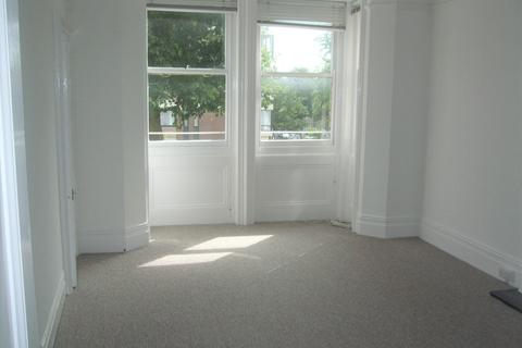 2 bedroom flat to rent - Cromwell Road, Hove BN3