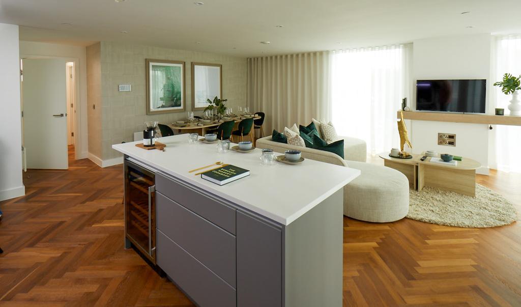 4, living room.jpg