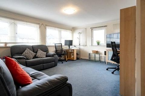 3 bedroom apartment - Bryson Road, Edinburgh, EH11