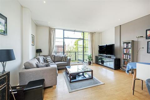 2 bedroom flat - Chiswick Green Studios, Evershed Walk, London, W4
