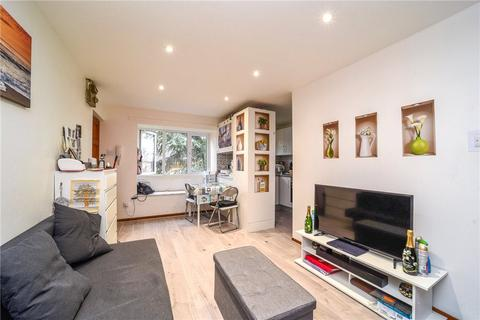 Studio to rent - Wilkinson Way, London, W4