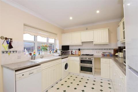 3 bedroom detached bungalow for sale - Petersham Close, Waterlooville, Hampshire