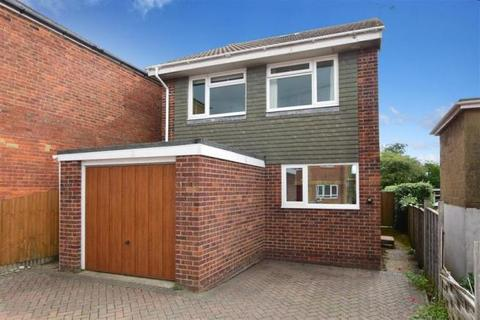 3 bedroom detached house - Mitchells Road, Ryde, Isle Of Wight, PO33
