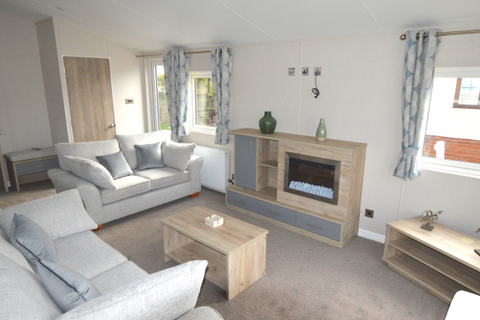 2 bedroom lodge for sale - Chichester Lakeside, Chichester