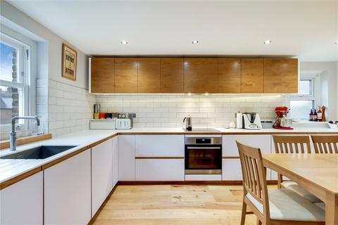 4 bedroom flat for sale - Gladwell Road, London, N8