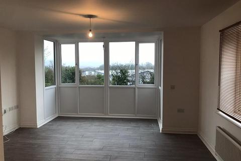 2 bedroom flat to rent - Meadow Bank, Llandarcy, Neath, Neath Port Talbot. SA10 6FH