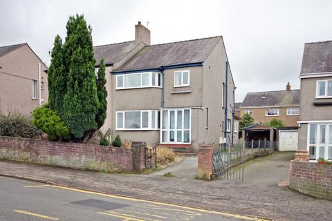3 bedroom semi-detached house for sale - Belmont Road, Bangor, Gwynedd, LL57
