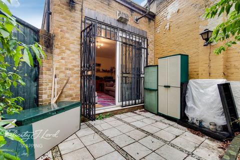2 bedroom detached house - Adelina Yard, London