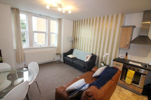 2 bedroom flat - West Hill Road, Bournemouth BH2