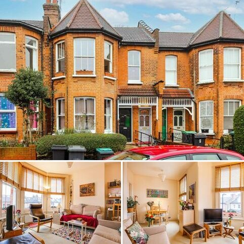 2 bedroom flat for sale - North View Road, N8