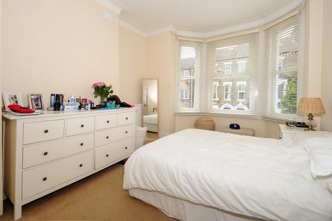 2 bedroom flat to rent - Strathblaine Road Battersea SW11