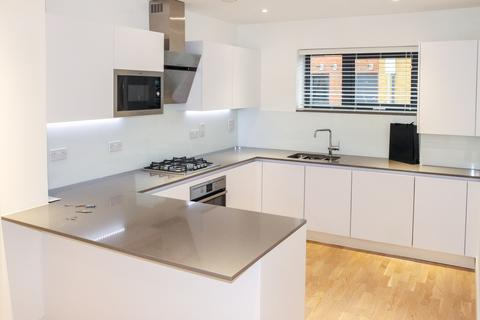 4 bedroom semi-detached house to rent - Pipit Drive, Putney Rise, Putney SW15