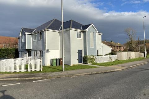 4 bedroom semi-detached house - Dittons Road, Stone Cross, East Sussex, BN24