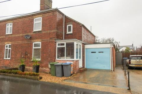 3 bedroom semi-detached house - Buller Road, Leiston