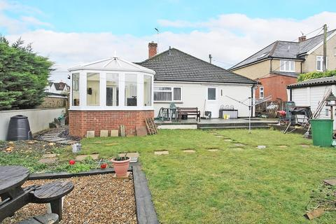 3 bedroom bungalow for sale - Orchard Road, Andover
