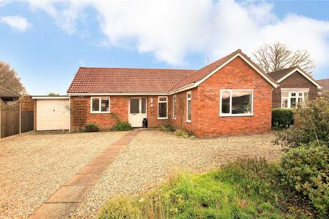 3 bedroom detached bungalow for sale - Cedar Close, Mattishall