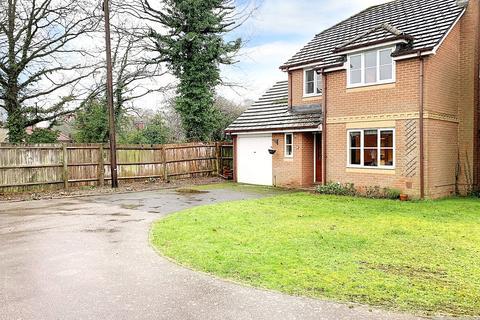 3 bedroom detached house for sale - Smallfield, RH6