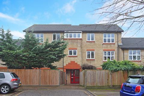 2 bedroom apartment - Ivybridge Close, Twickenham