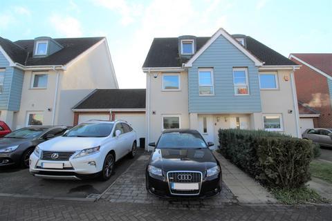 3 bedroom semi-detached house to rent - Wraysbury Drive, Yiewsley