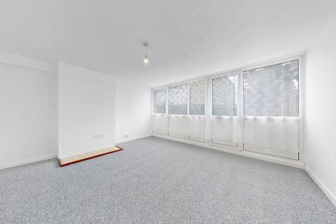4 bedroom maisonette to rent - Dorest Road, Oval