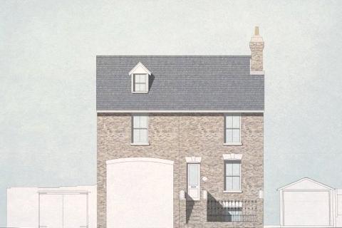 2 bedroom apartment to rent - Saxon Road, Faversham, ME13