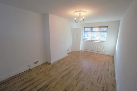3 bedroom terraced house to rent - Titian Avenue, South Shields